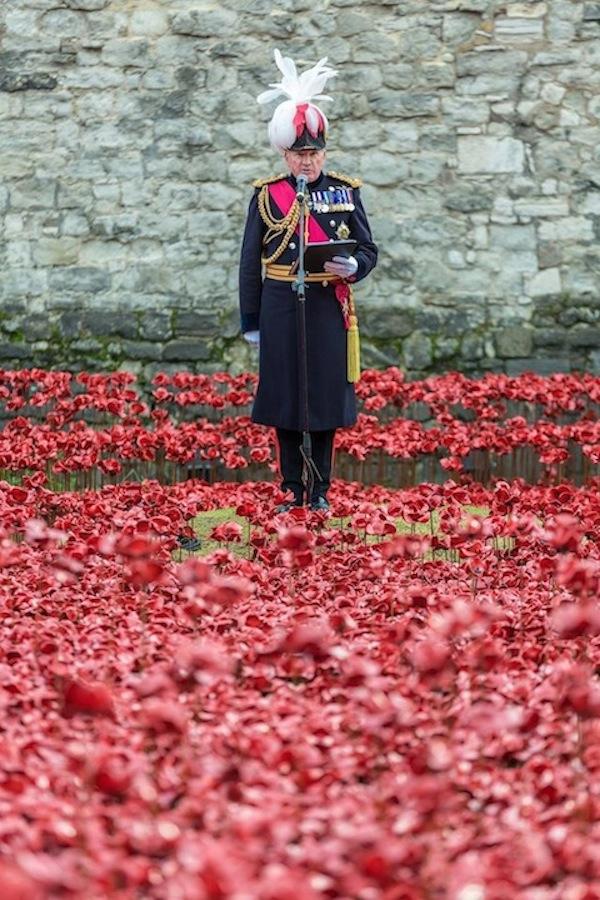 El condestable de la Torre de Londres, el general al Señor Dannatt, leyó los 200 nombres  la Lista definitiva de Honor. Fotos Facebook