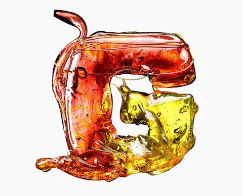 massimo-gammacurta-eat-me-candy-typeface-designboom-04