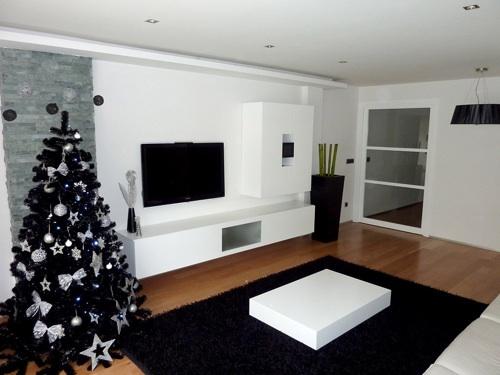 una de las tendencias es el blanco y el negro para la decoracin navidea este estilo otorga una cierta elegancia al hogar y es una de las