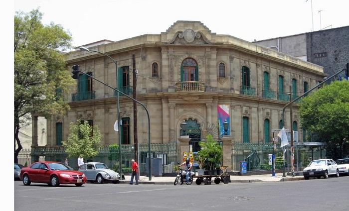 Avenida Álvaro Obregón, colonia Roma