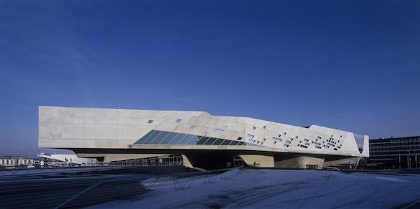 Phaeno Science Center, en Wolfsburg de Zaha Hadid.