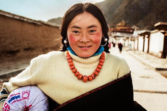 Mujer tibetana de Xiahe, China