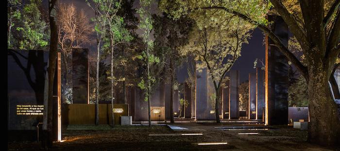 Lamp Lighting Monumento a las Víctimas de la Violencia en México, México; por Lighteam. Image Cortesia de