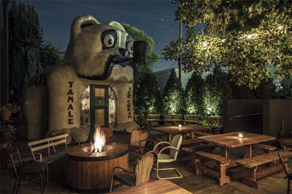 Idle Hour (Los Angeles, CA),  diseñado por Wadeco Design and Bobby Green Design