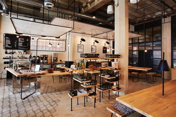 Verve Coffee + Juice Served Here (Los Angeles, CA). Diseñado por Studio MAI