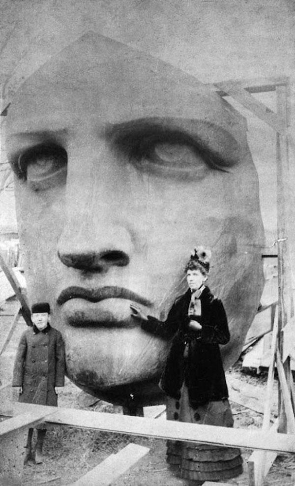 Cabeza de la Estatua de la Libertad, entregada,  junio de 1885