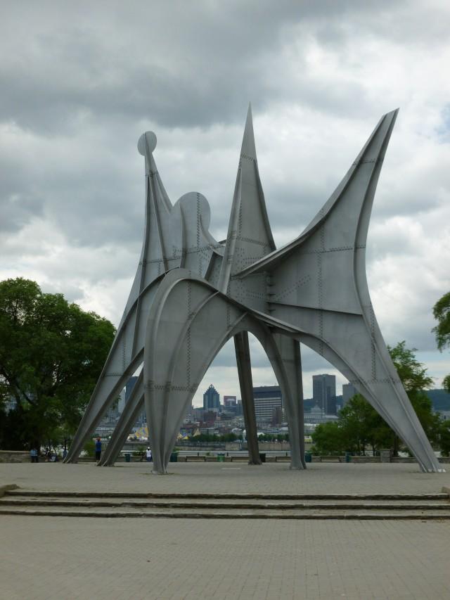 ALEXANDER CALDER L'Homme (1967) Montreal, Canadá