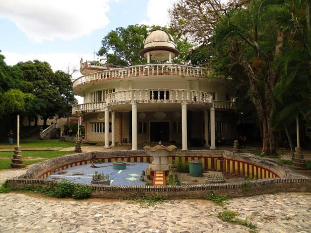 Car Dealerships In Ct >> 30 ejemplos de la arquitectura de Caracas | paredro.com