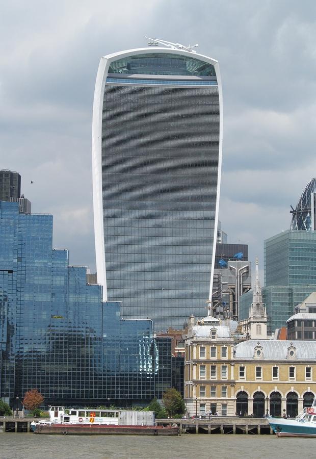 El edificio Walkie Talkie se encuentra en Londres.