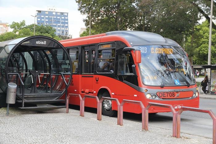 Red de autobuses de Curitiba, Brasil. Bigstock