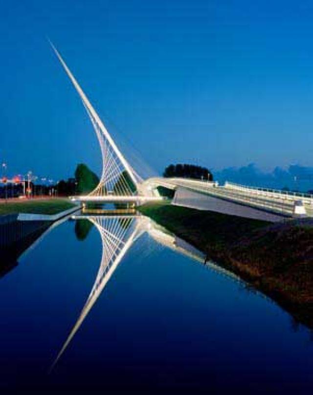 SANTIAGO CALATRAVASANTIAGO CALATRAVA Puente Haarlemmeermer, Holanda