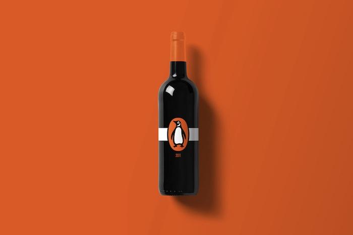 Wine-Bottle-Mockup_pinguins-1