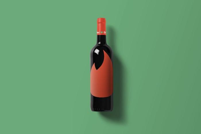 Wine-Bottle-Mockup_tinder