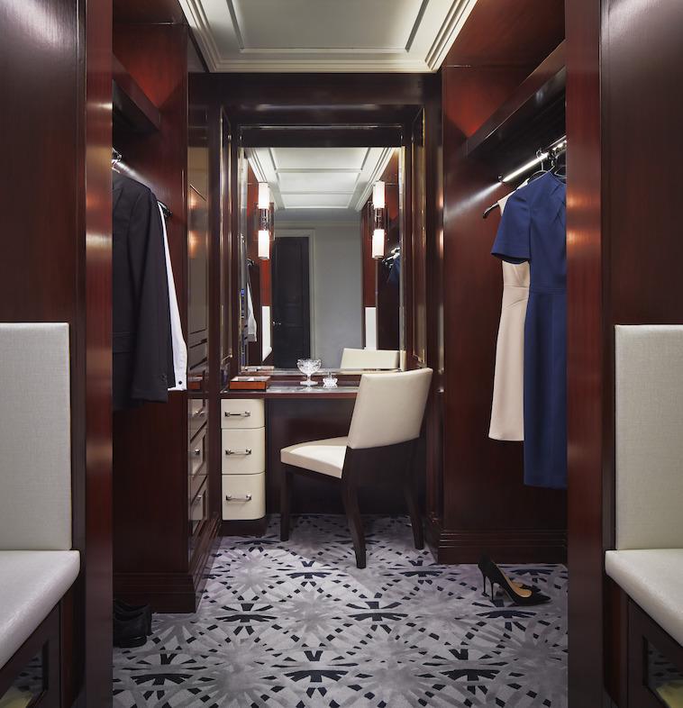 fifth-avenue-suite-dressing-room