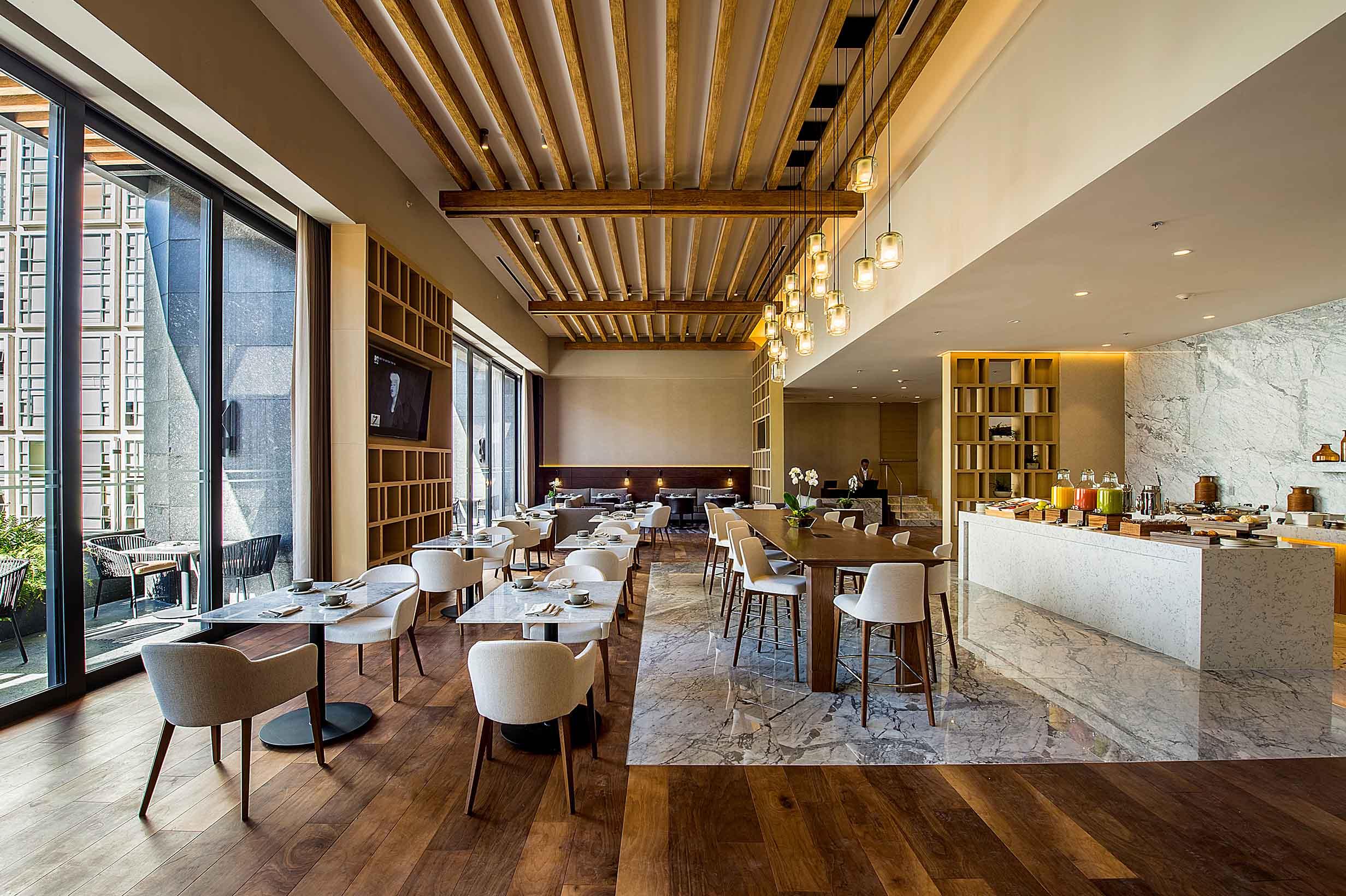 Dise o interior para un hotel de gran turismo en for Diseno de interiores espacios reducidos