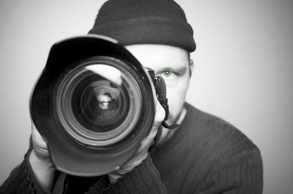 El creativo visual y fotógrafo profesional marroquíRachid Shoppublica diferentes tips para convertirte en un exitoso profesional en este oficio.