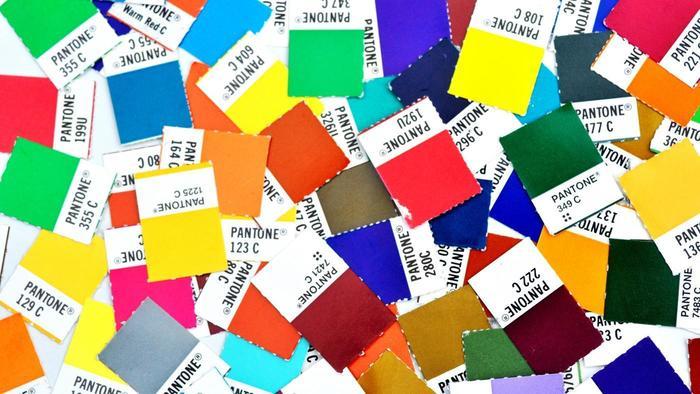 Los tonos son parte fundamental de los logos, tan es así que existen colores patentados por las marcas, para que éste sólo se asocie con ellas.