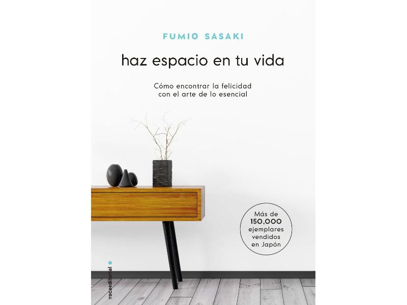 En este libro se explica el minimalismo japonés que afirma que entre menos pertenencias, la vida se queda con lo realmente esencial