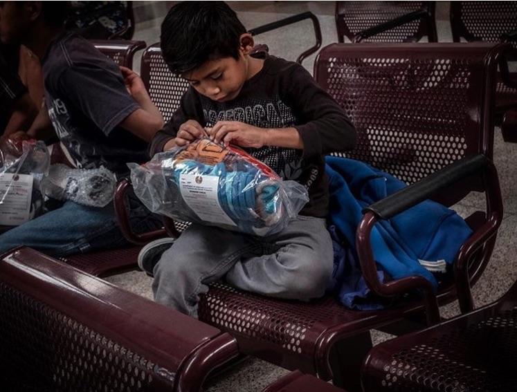 Te presentamos10 fotógrafos mexicanos que arriesgan todo para capturar el momento que transmita la realidad que se vive de manera eficaz.