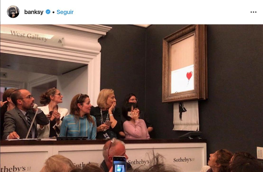 La gente tiene curiosidad de saber quién es Banksy, el street artist que desafia lo convencional para ofrecer obras callejeras.