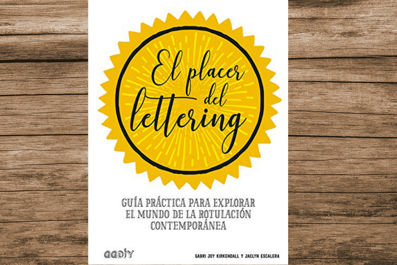 El Placer del Lettering es una guía apta para todo público que te permitirá adentrarte al mundo del arte de dibujar letras de manera estelizada.