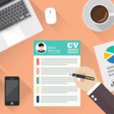 Los CV Creativos y con un diseño único se destacan de entre la mayoría, por lo que es más fácil que el reclutador recuerde tu perfil.