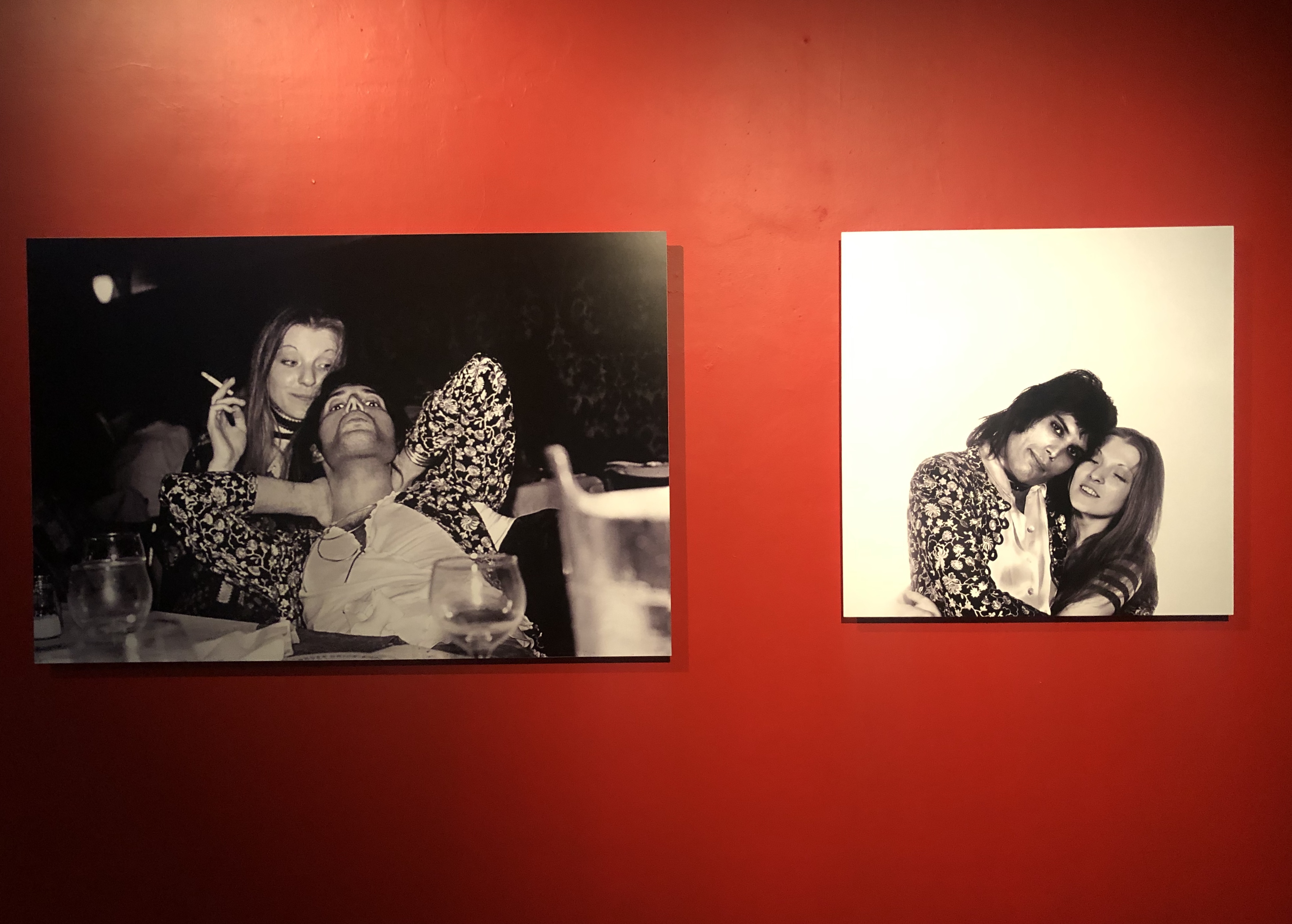 """Una nueva expo de Mick Rock se presenta en el Museo de Cuatro Caminos, la cual se titula """"Queen: El origen de una leyenda"""", que estará hasta abril."""