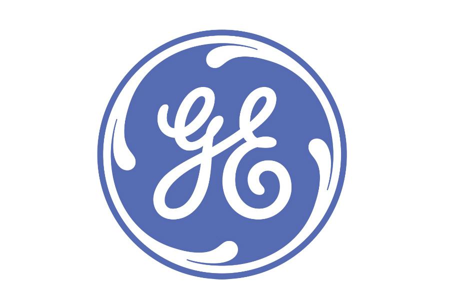 Todos conocemos el monograma cursivo de General Electric, pero sabías que el primer logotipo de GE representaba los filamentos de un foco.