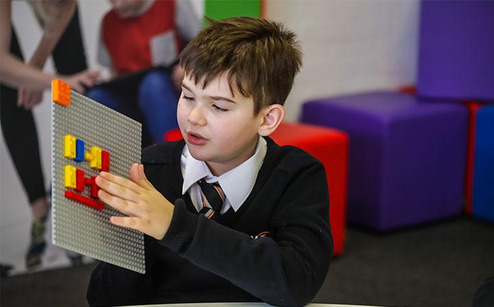 LEGO Braille es un nuevo set con todo los caracteres especiales con el que los niños aprenderán fácilmente esta forma de lectura para ciegos.