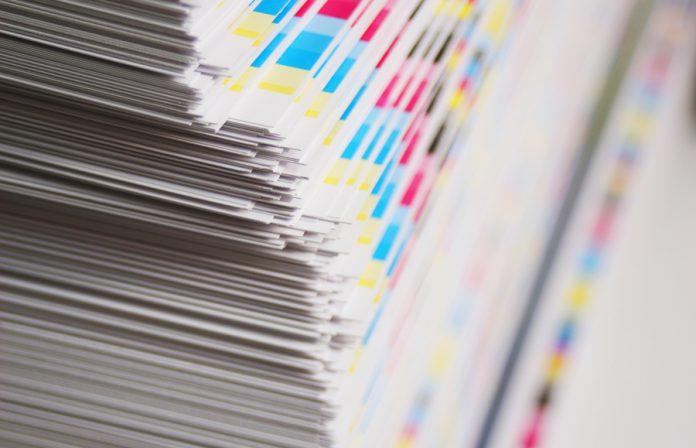 Si te preguntas cuáles son las ventajas de promocionarte en impreso, te explicamos algunas exclusivas de este formato que no tendrás en digital.