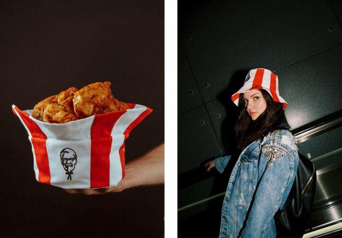Los sombreros cubeta de KFC son una realidad en Rusia y cumplen con un doble uso, como accesorio de moda y para contener piezas de pollo frito.