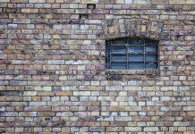 A pesar de ser de las más seguras de su tipo, la inversión inmobiliaria de todas formas puede ser afectada por varios factores una vez que esté finalizada.
