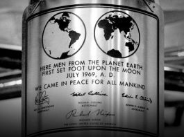¿Qué relación tienen Futura y Apollo 11? En esta TED Talk, Douglas Thomas explica el papel que tuvo la fuente tipográfica en el alunizaje.