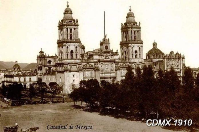 Las fotografías antiguas de México nos hacen recordar un paisaje menos saturado, arquitectura bella pero simple, así como calles limpias.