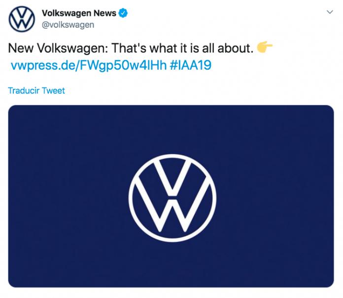 El nuevo logo de Volkswagen se presenta con una nueva identidad de marca y el lanzamiento del primer coche eléctrico de la marca.