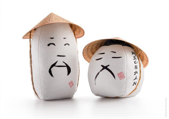 Este empaque para arroz juega de una forma divertida con el packaging y la relación de este producto con los agricultores asiáticos.