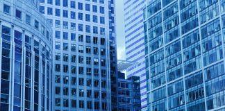 El mercado inmobiliario, a pesar de ser seguro para las inversiones, también tiene tendencias importantes que todas las personas interesadas deben conocer.