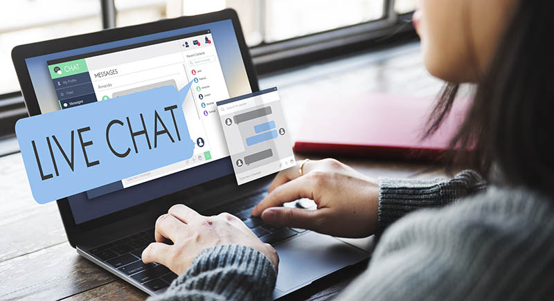 Live Chat to reduce customer support response times