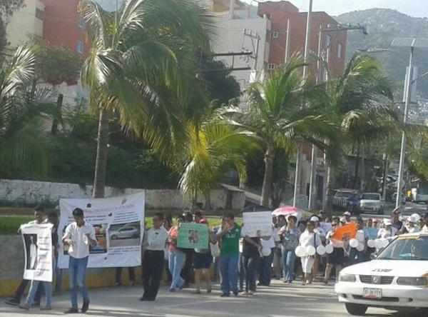 Medicos-Guerrero-Marcha-Violencia