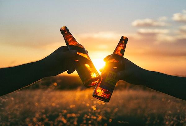 Consumo-Alcohol-Brindis-Cerveza