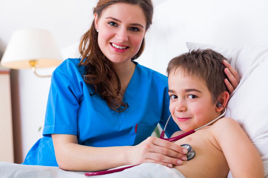Neumonia-Ninos-Paciente-Pediatrico-Medico-Pediatra