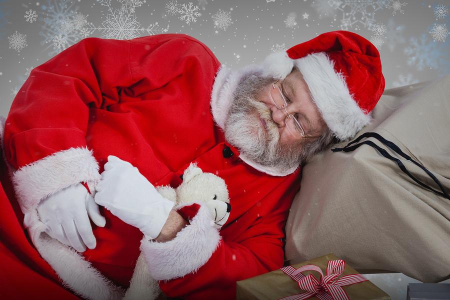 Navidad-Santa-Claus-Cansancio-Salud-Ocupacional-Adulto-Mayor