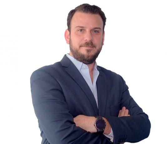 Dr. Óscar Martínez