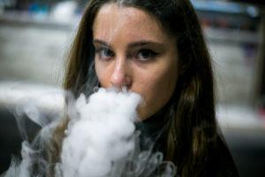 La inhalación pasiva de humo también daña la salud