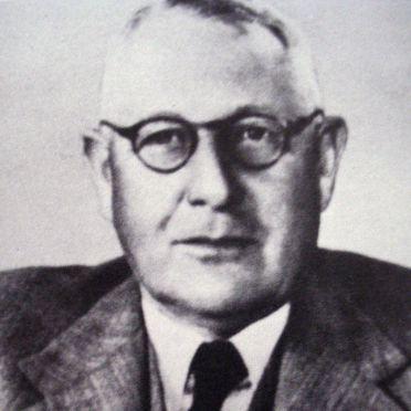 Russell Dumas