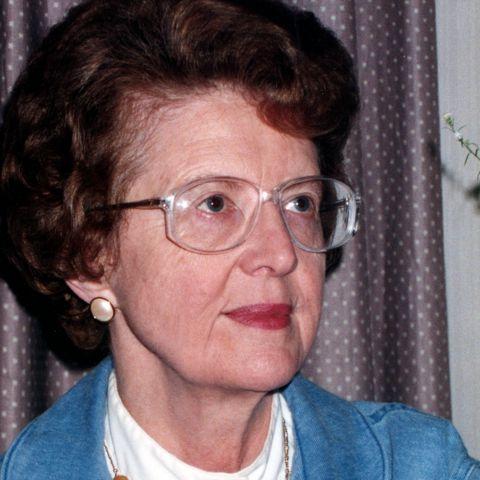 Elaine Macmann Willoughby