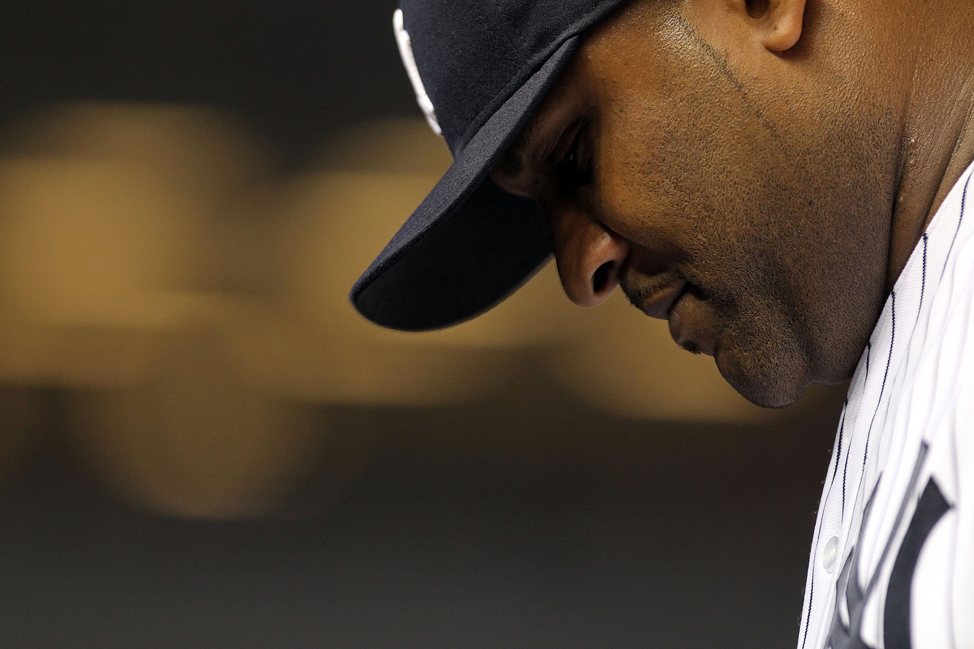 NEW YORK, NY - AUGUST 24:  CC Sabathia #52 of the New York Yankees is pulled from the game by manager Joe Girardi #28 against the Oakland Athletics on August 24, 2011 at Yankee Stadium in the Bronx borough of New York City.  (Photo by Nick Laham/Getty Images)