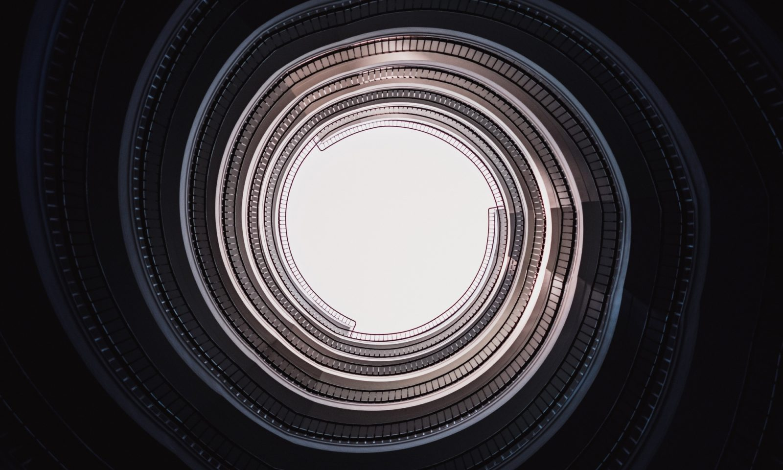 circular thinking_credit: Samuel Zeller Unsplash