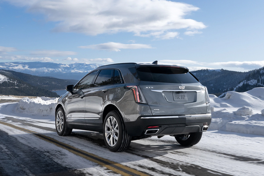 2021 Cadillac XT5 Off Roading