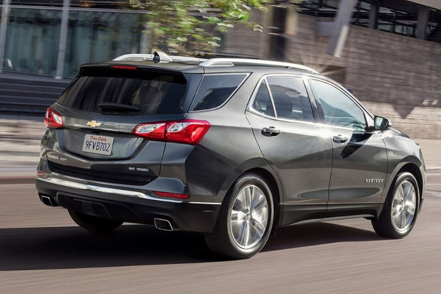 2020 Chevrolet Equinox on the Road